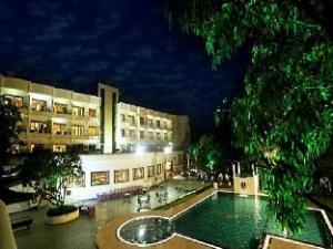 Pluz Resort