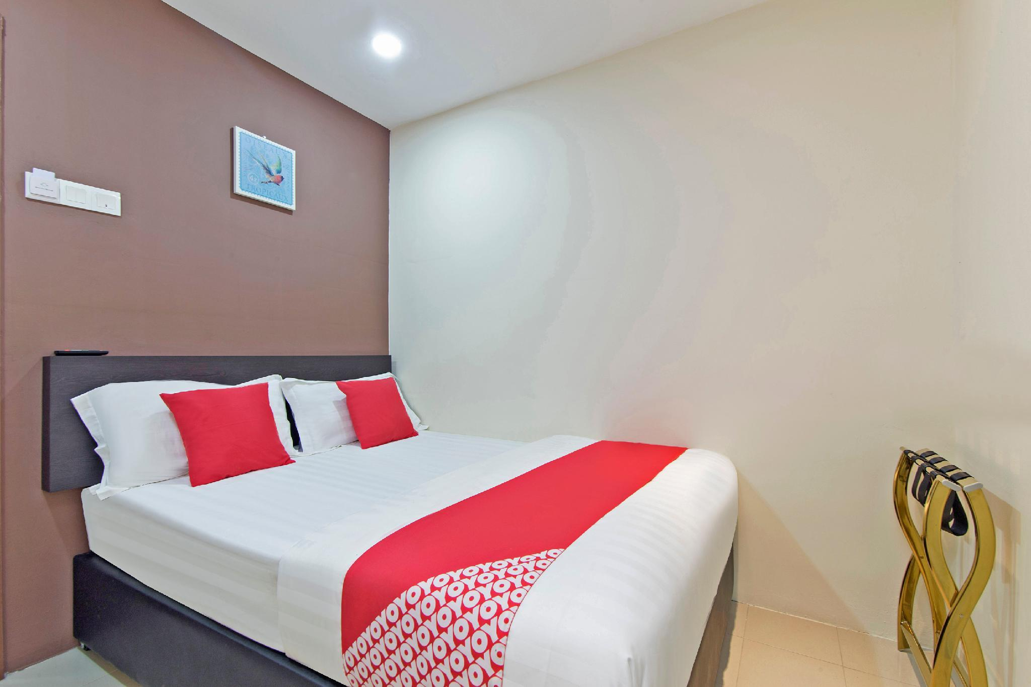 OYO 363 Sarila Hotel