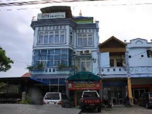關於默烏拉慕莉亞飯店 (Hotel Meurah Mulia)