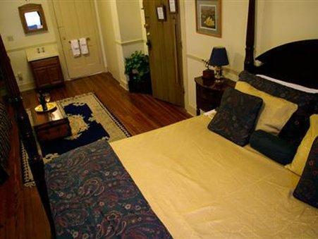 Kenwood Inn