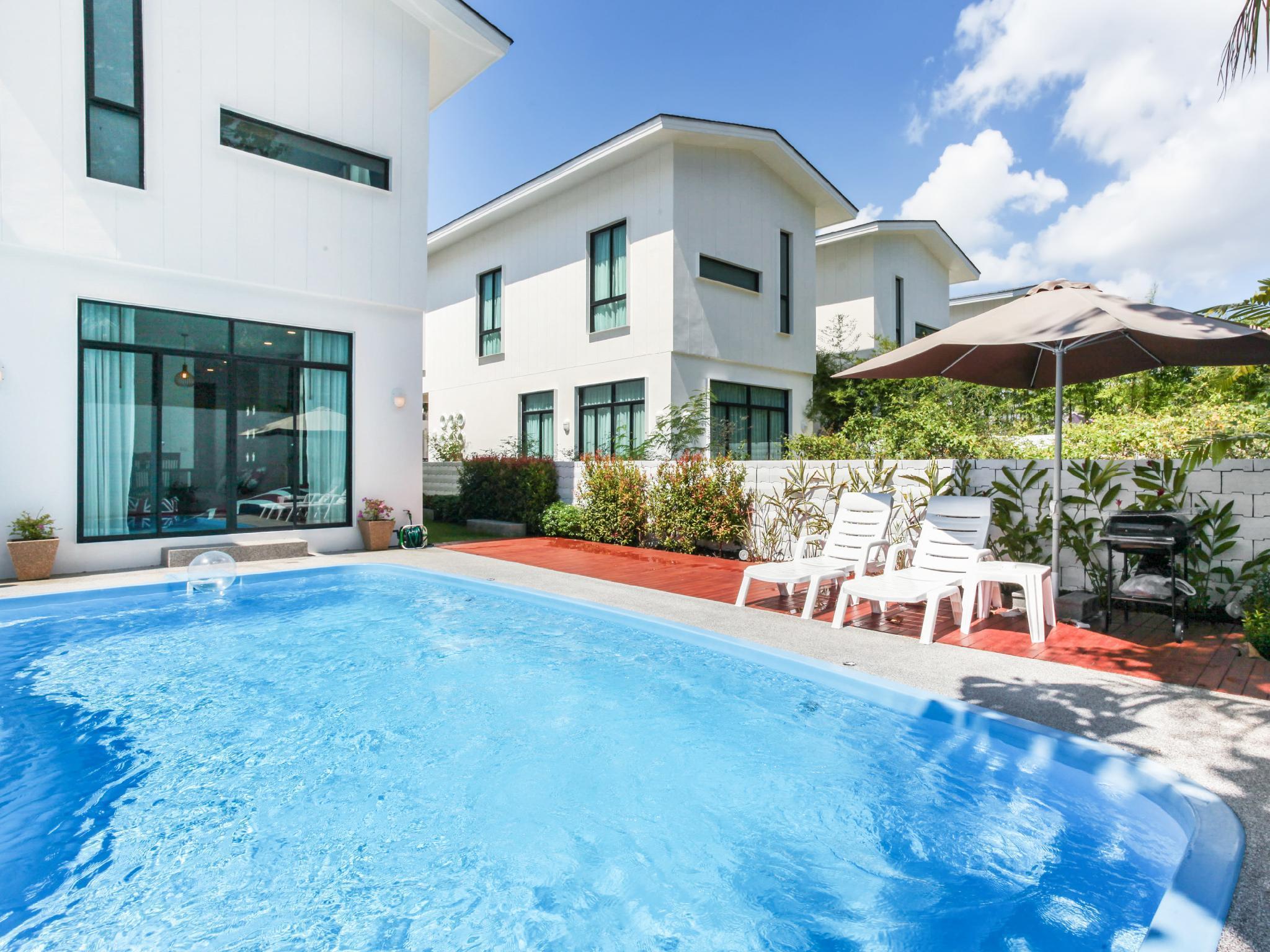 3BR Private Pool Villa 5-min walk from beach