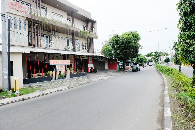 RedDoorz Near Universitas Semarang