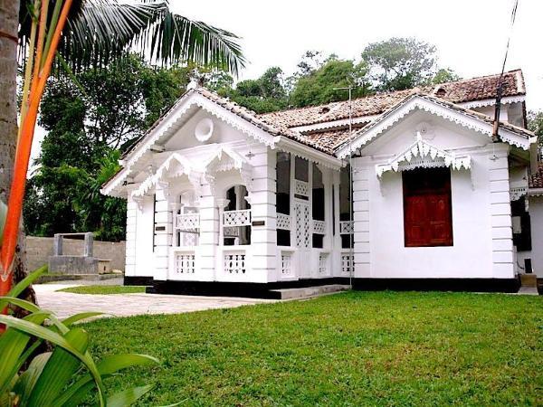 sea breeze colonial villa mirissa  sri lanka great