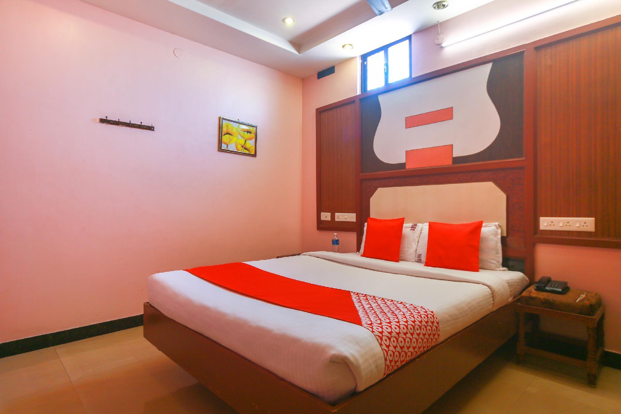 OYO 10459 Gnana Srm Residency