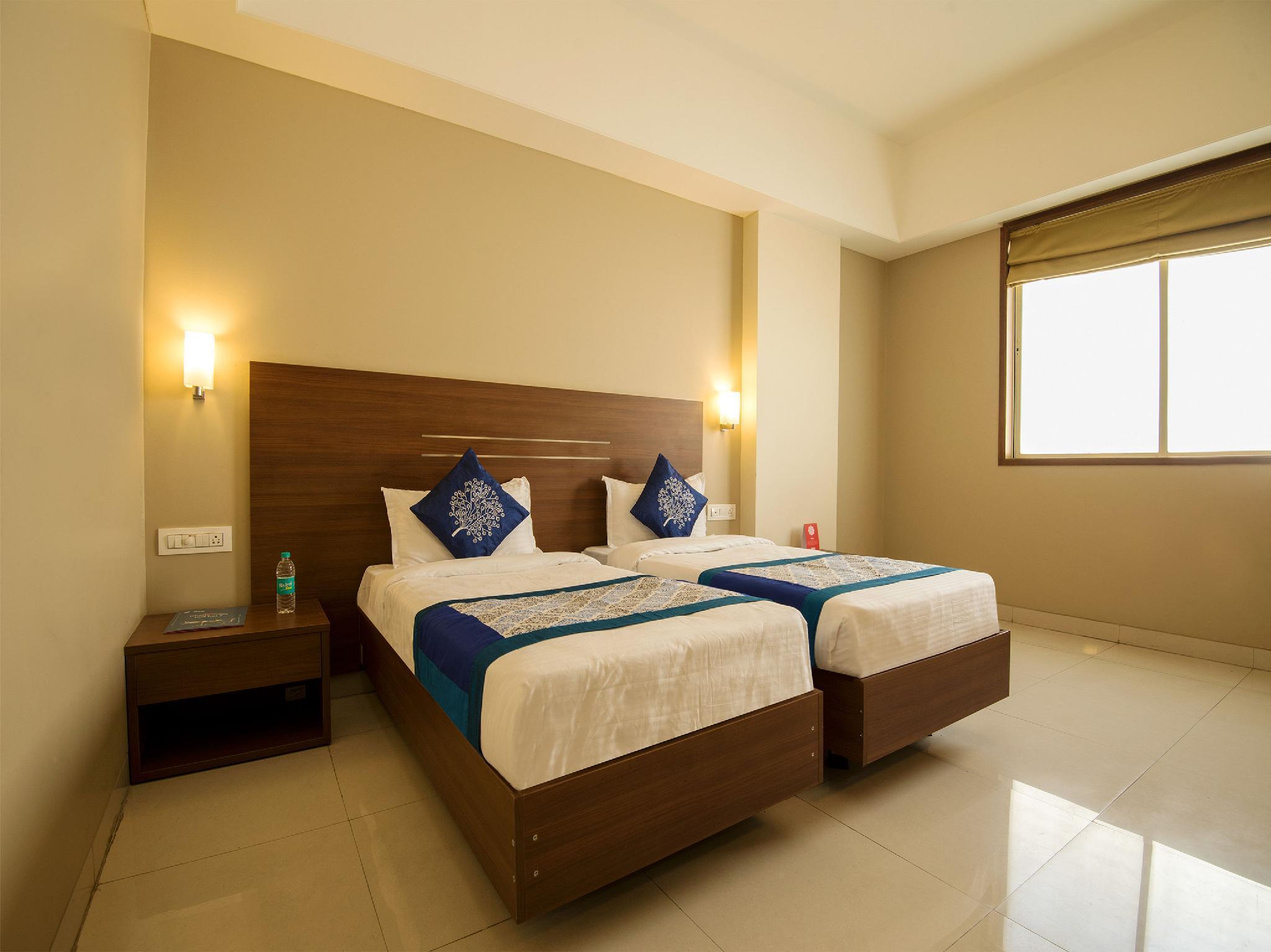 OYO 9989 Hotel Classic Executive