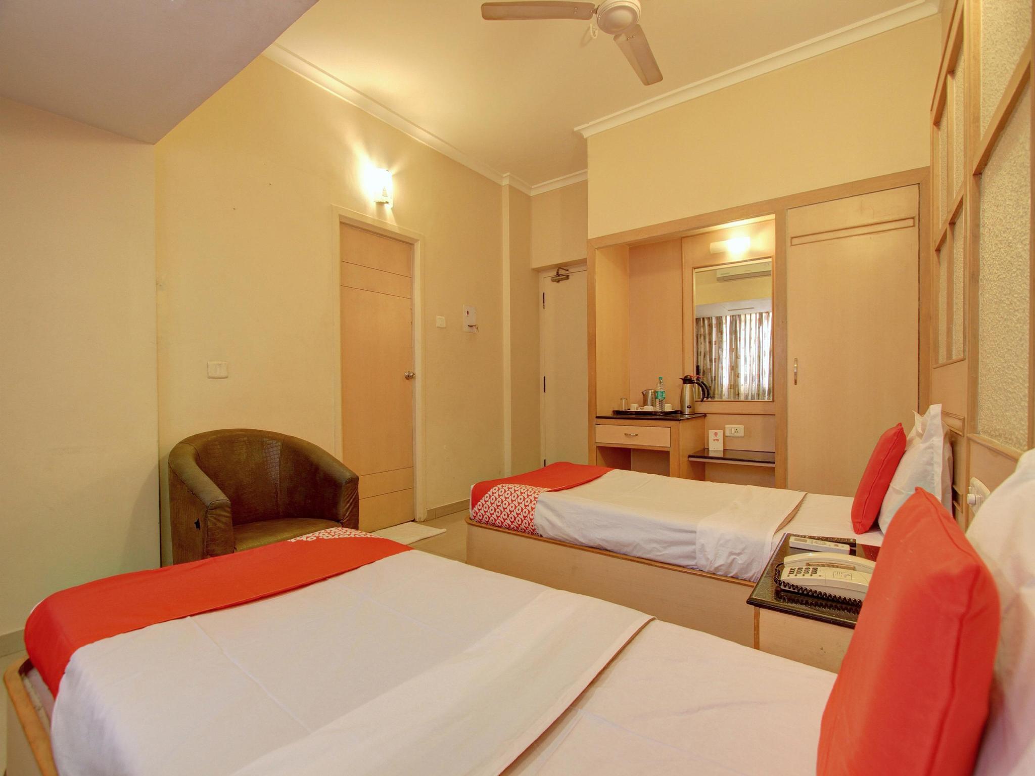 Capital O 12811 Hotel Sree Murugan