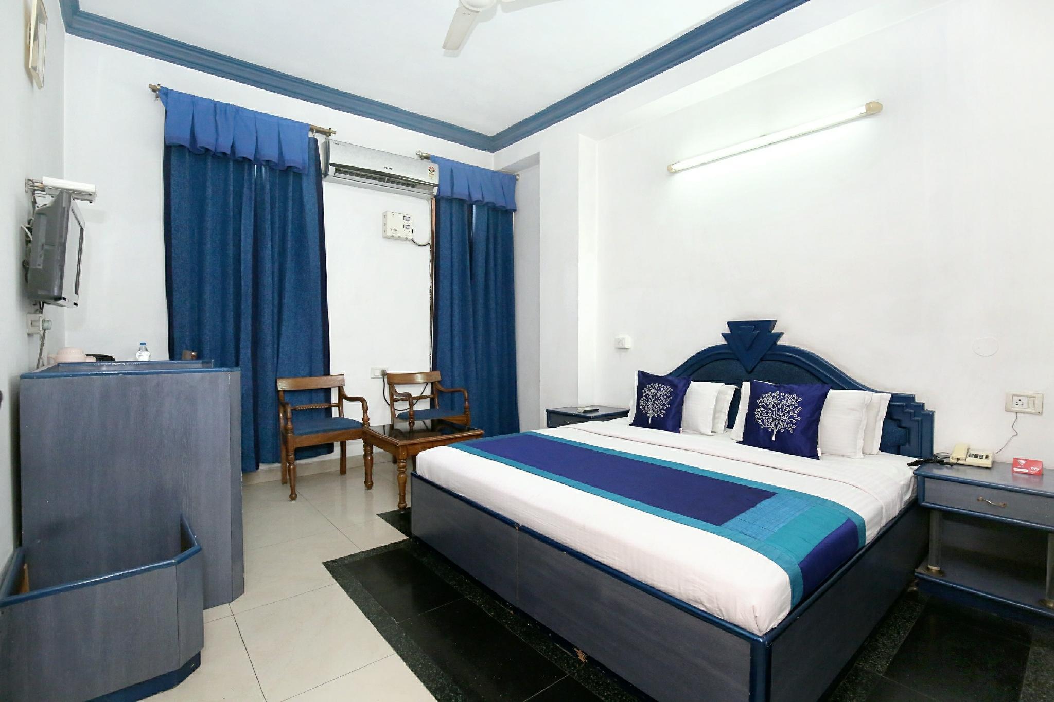 OYO 9985 Hotel Sekhon Grand