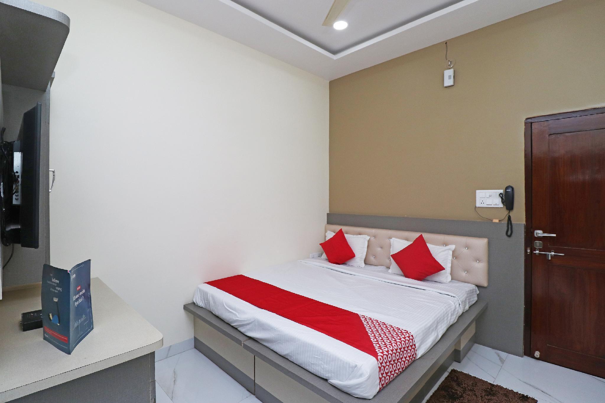 OYO 29843 Hotel Heaven