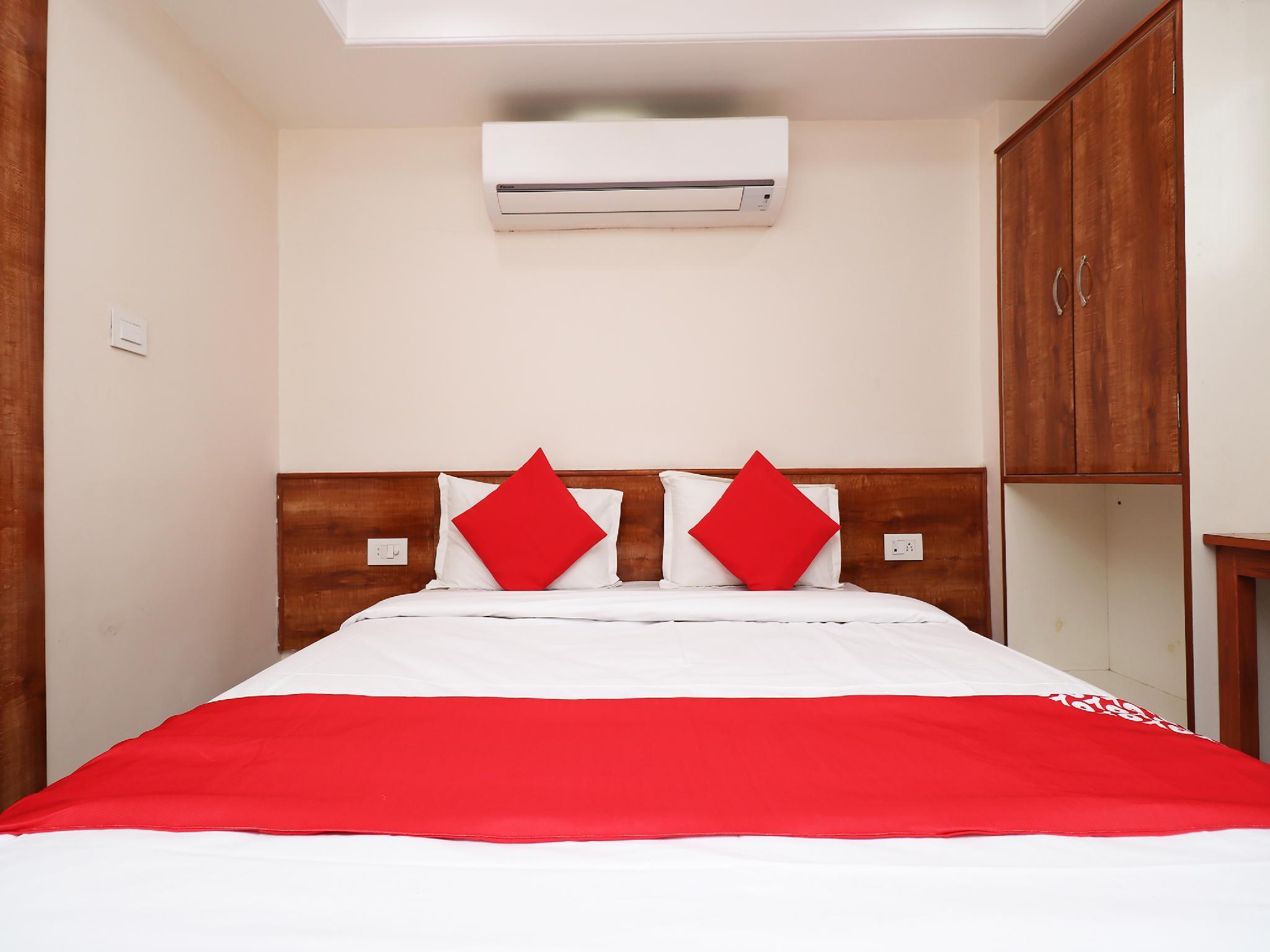 OYO 29149 Sarthak Inn