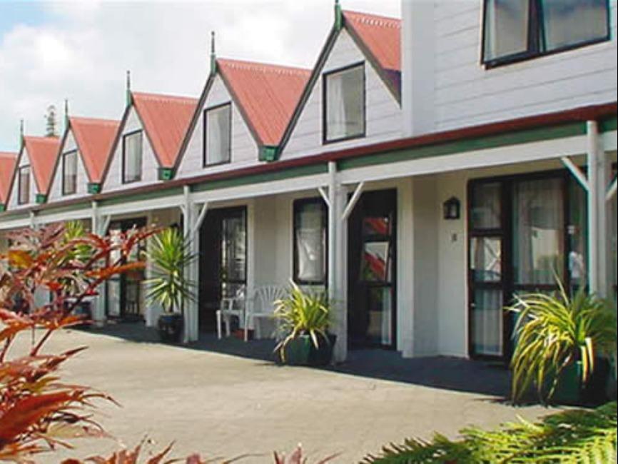 Apex On Fenton Motel