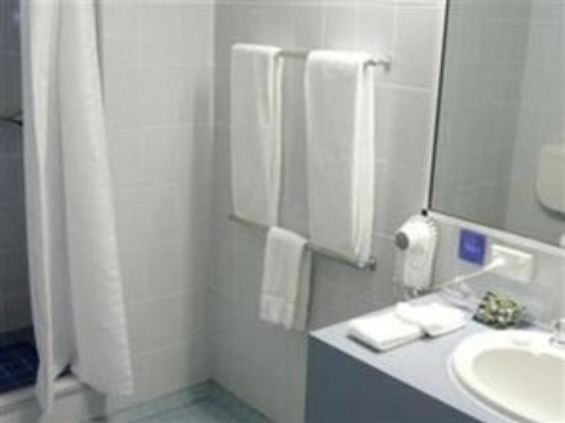 Price Cairns New Chalon Motel
