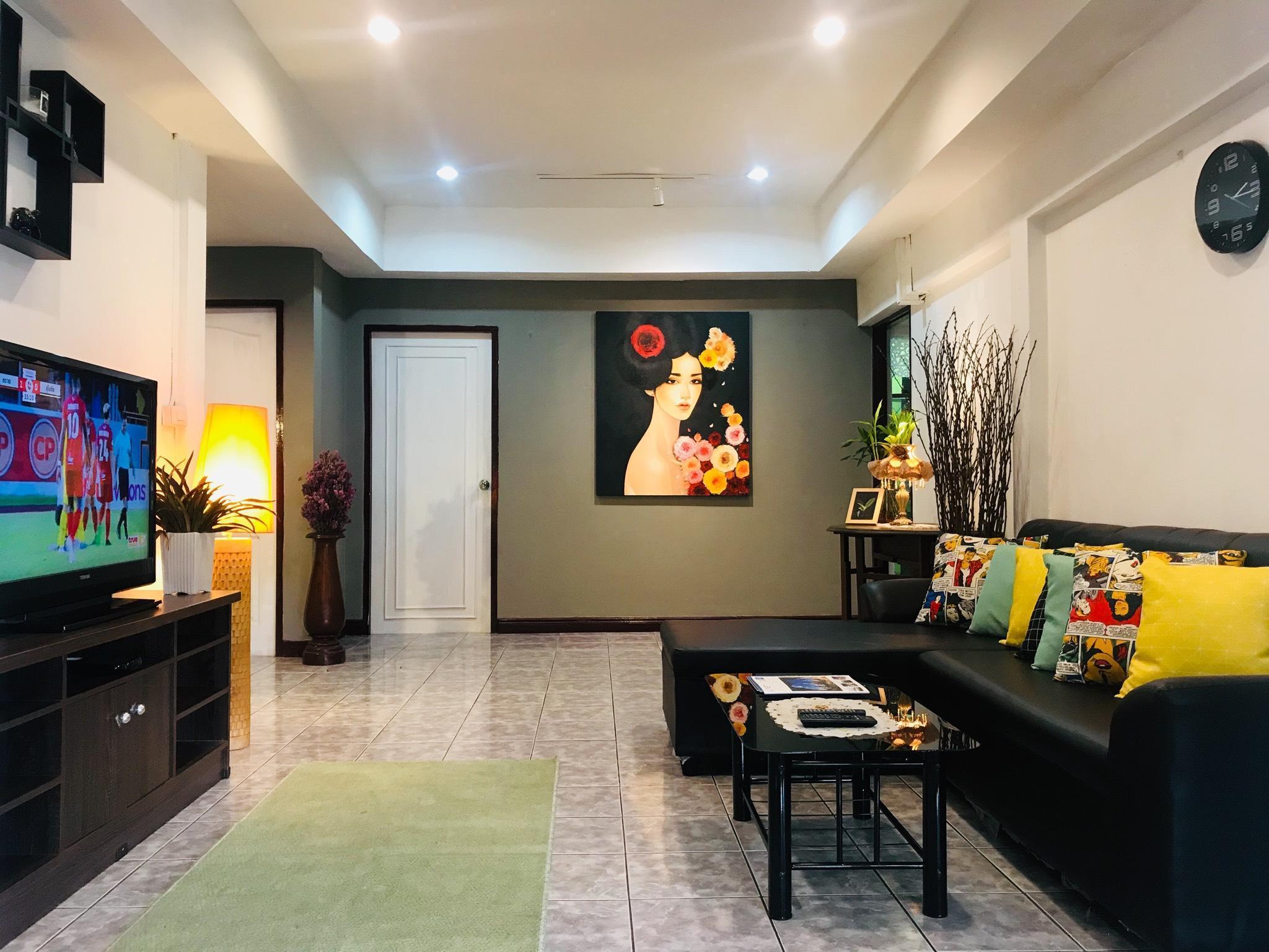 Cozy house, 4 bedrooms. Near nimman VeryConvenient บ้านเดี่ยว 4 ห้องนอน 2 ห้องน้ำส่วนตัว ขนาด 85 ตร.ม. – สนามบินเชียงใหม่