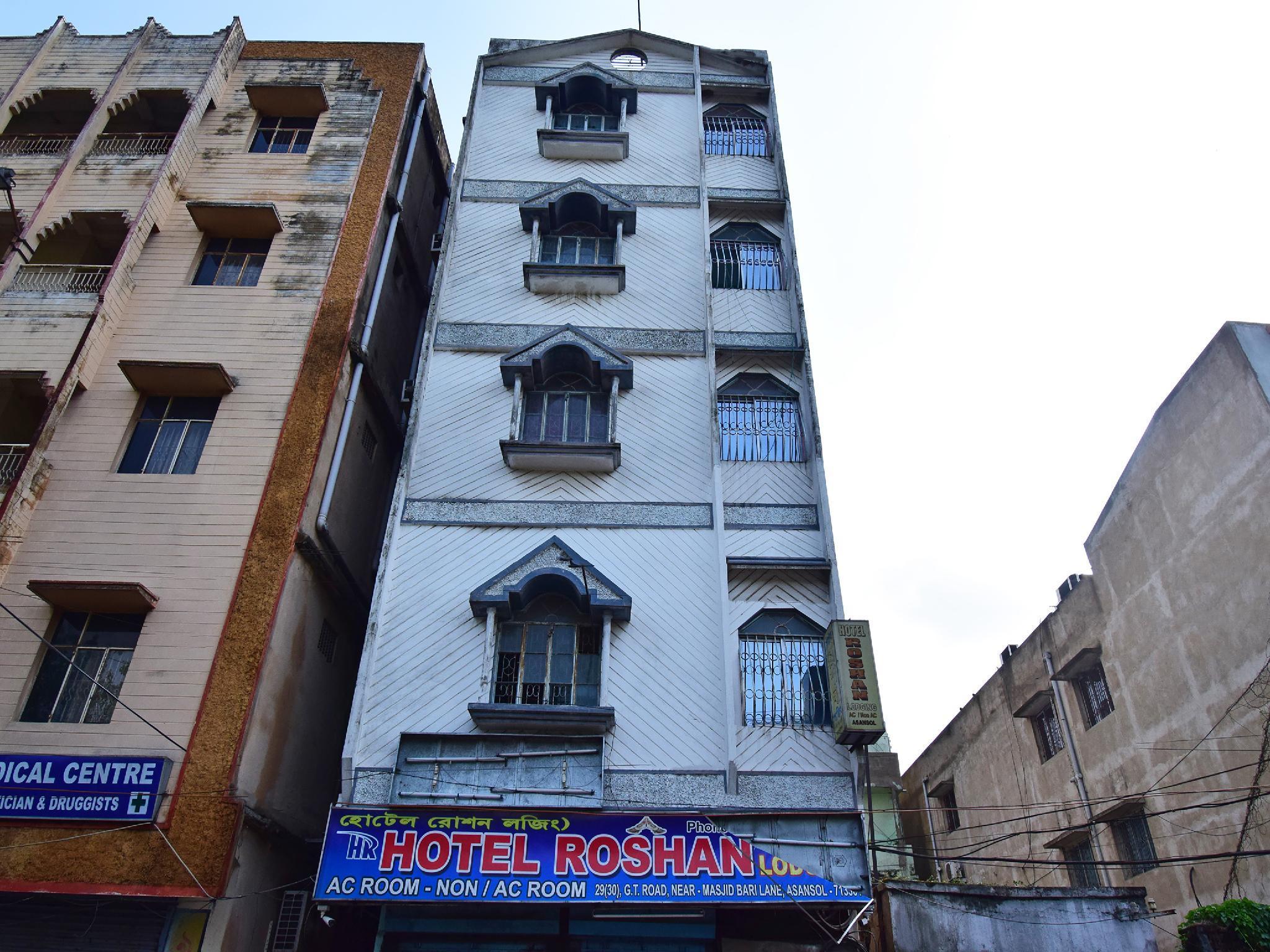 SPOT ON 35855 Hotel Roshan