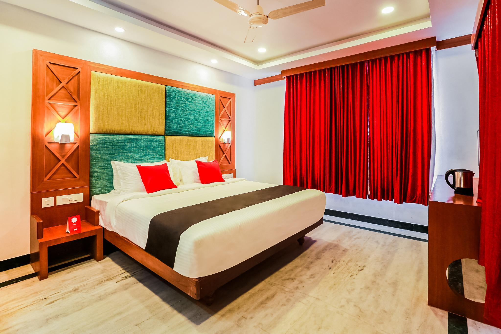 Capital O 33483 Hotel Chembarathy Garden