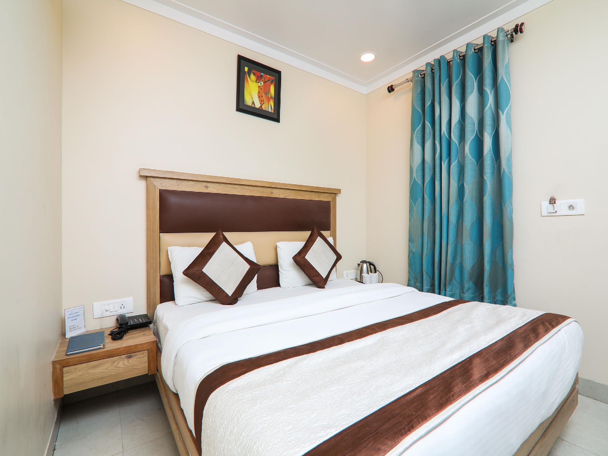 OYO 15567 Hotel Amar International