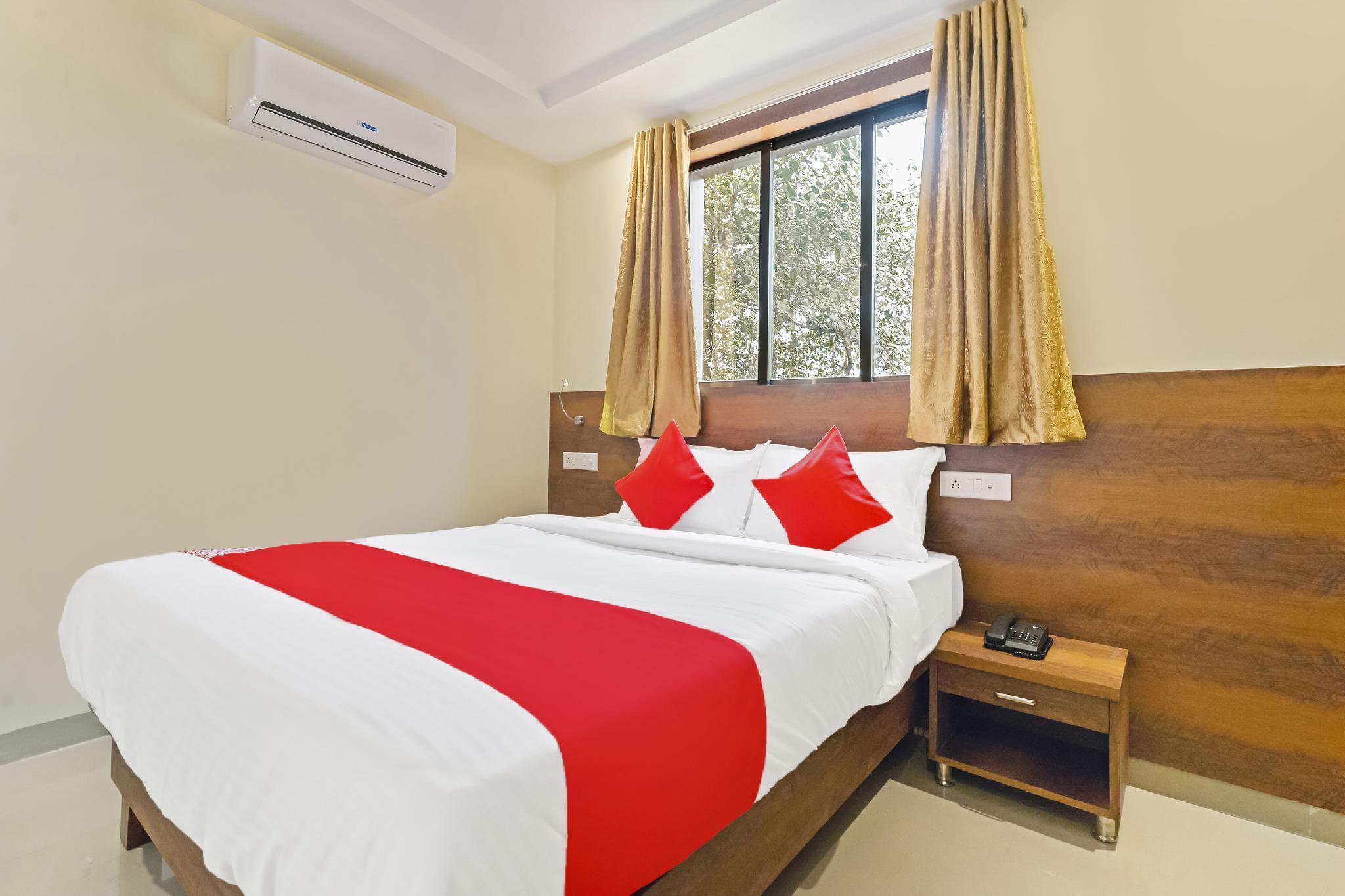 OYO 29037 Hotel Sai Darshan