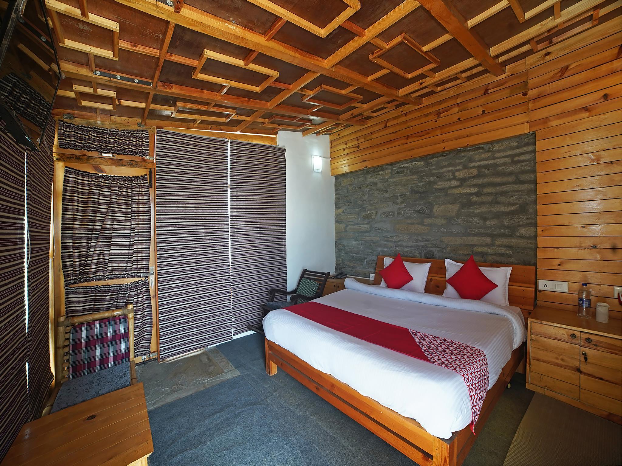 OYO 35643 The Himalayan Canvas