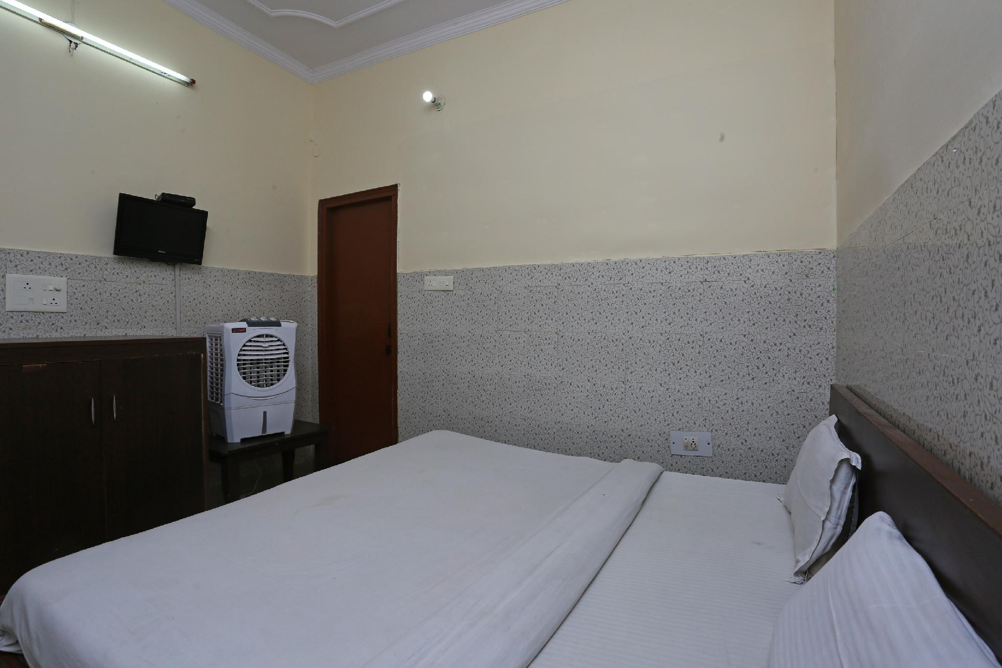 SPOT ON 35912 Shri Guest House