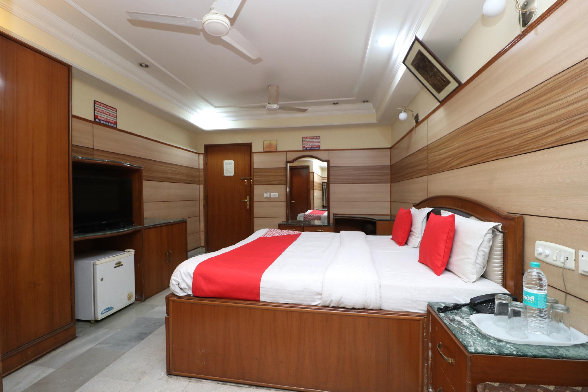 OYO 3504 Vivek International Hotel