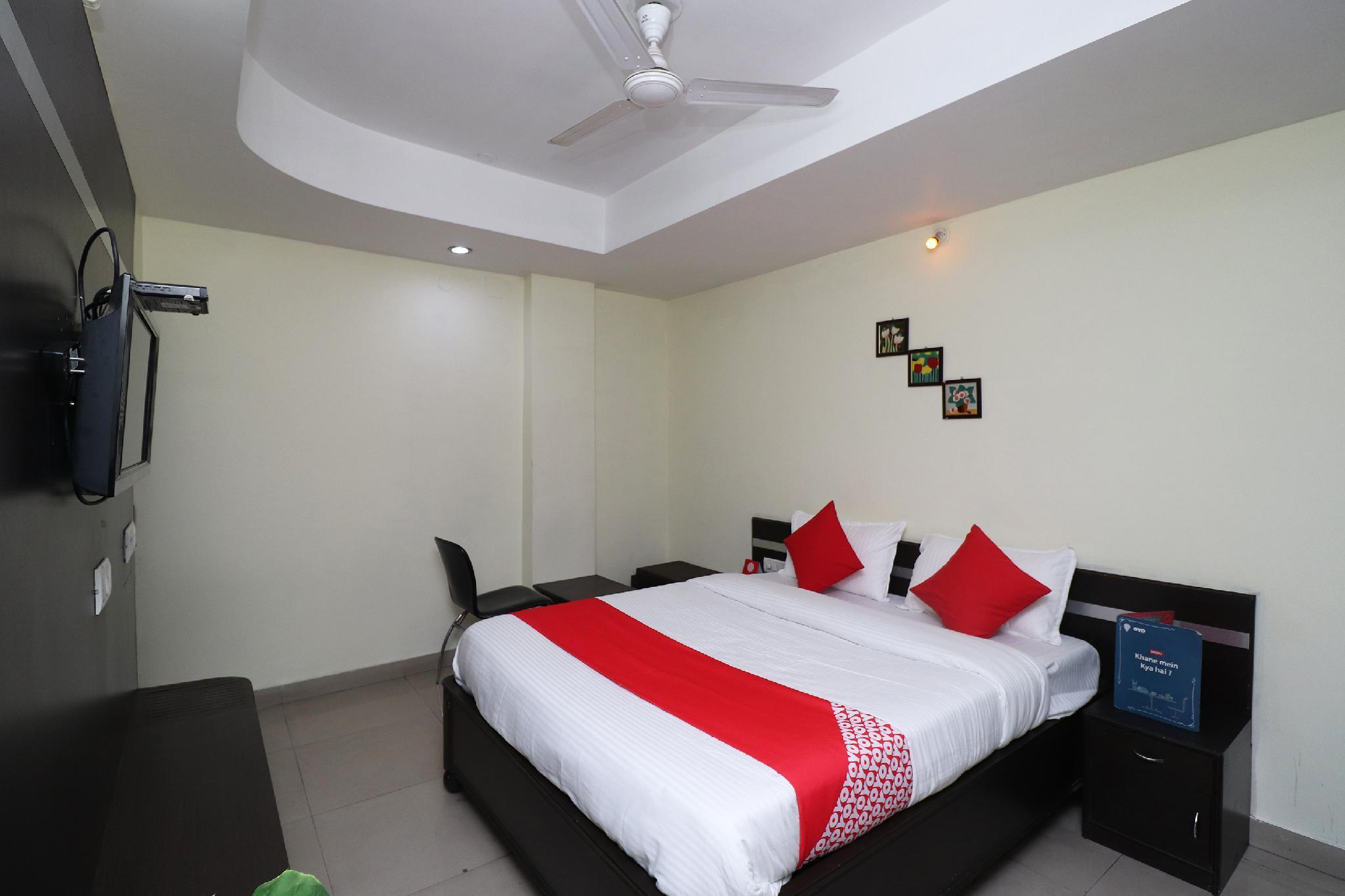 OYO 30715 Shakti Palace
