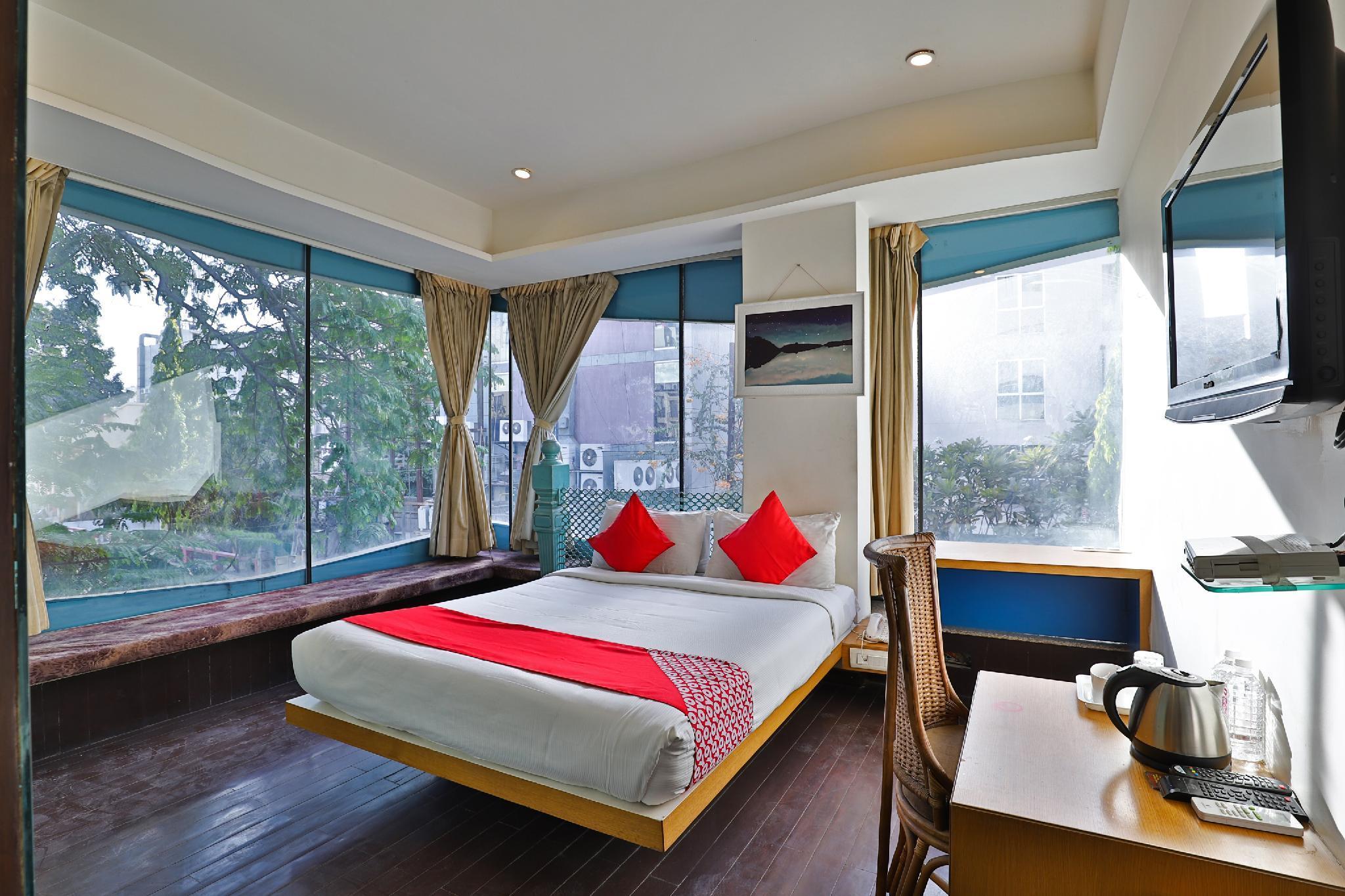 OYO 35770 Hotel Yahvi