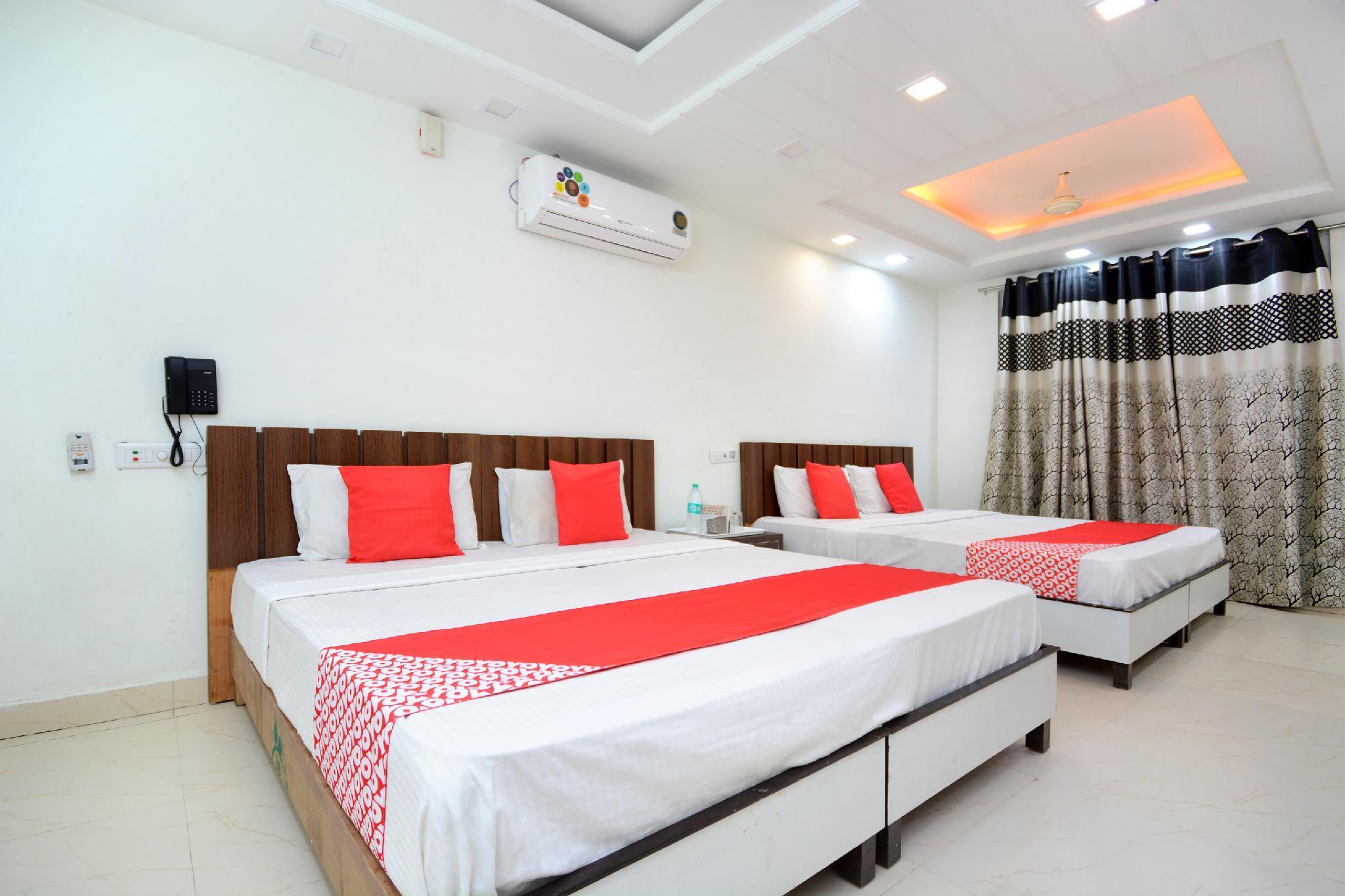 OYO 35679 Hotel Sunrise
