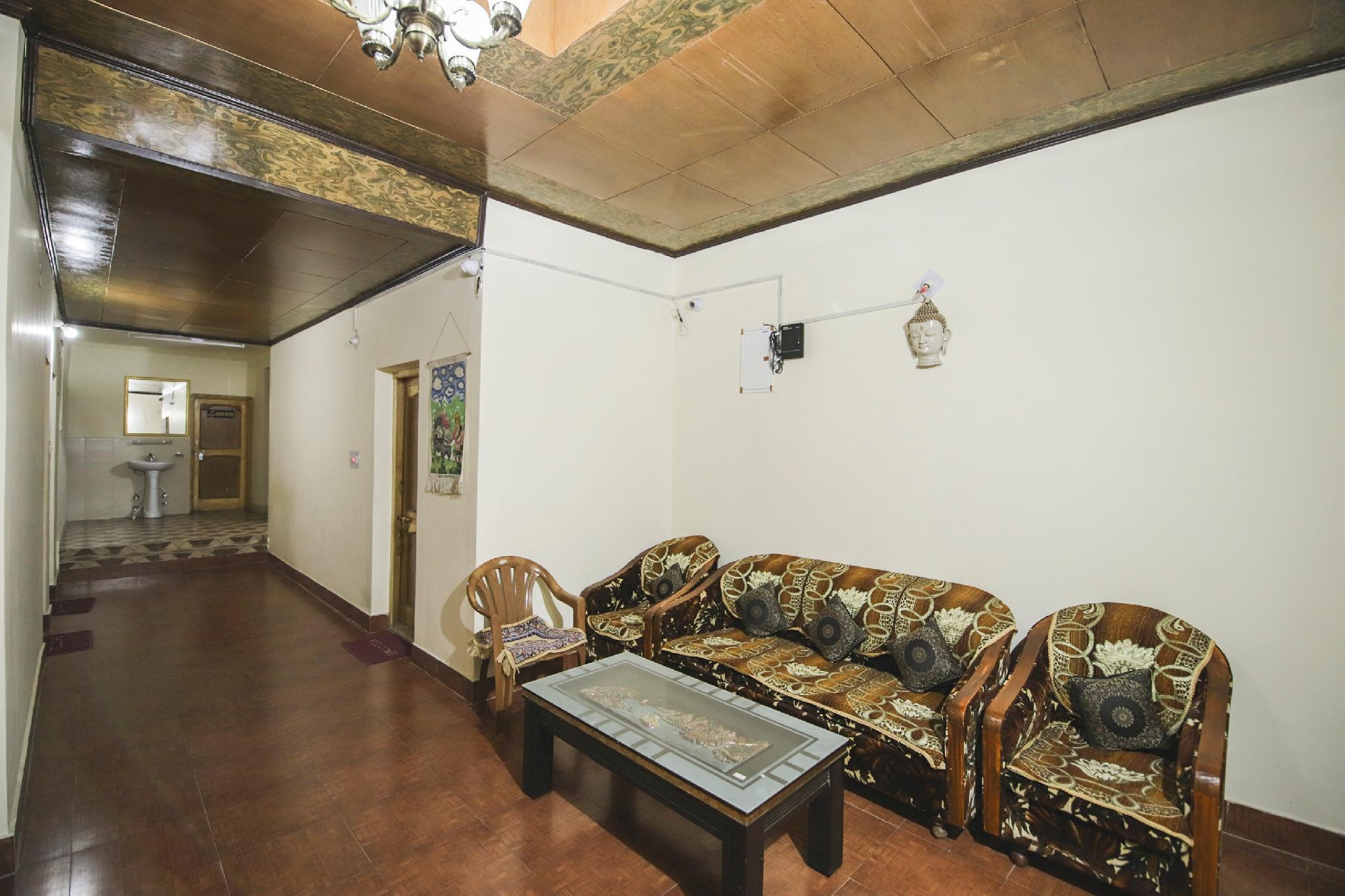 OYO 14380 Nangseem Guest House
