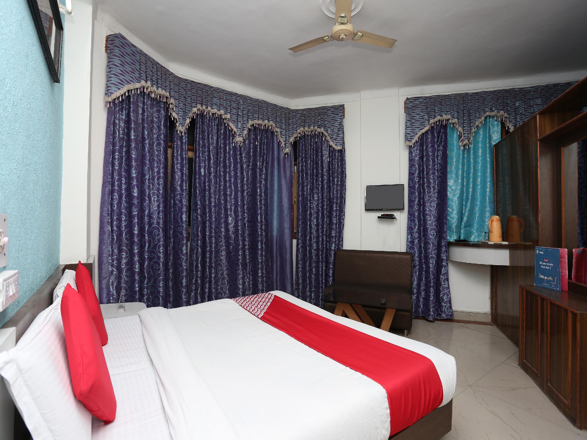 OYO 33007 Great India Hotel