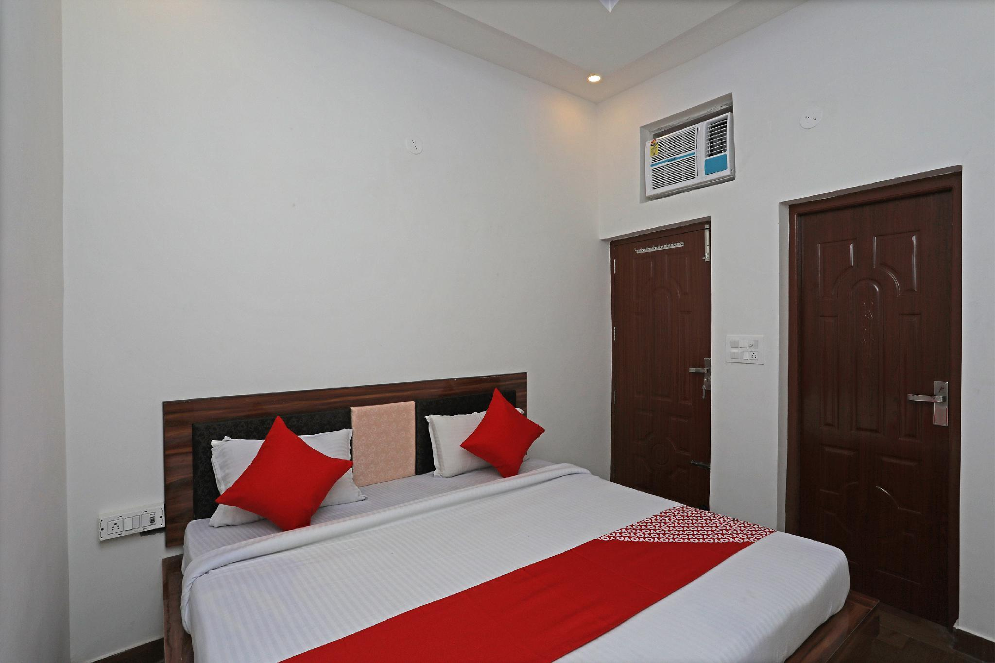 OYO 33001 Hotel Ab Residency