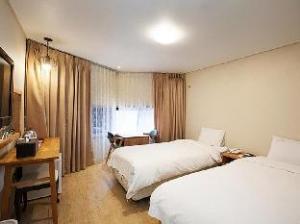 Elin Hotel
