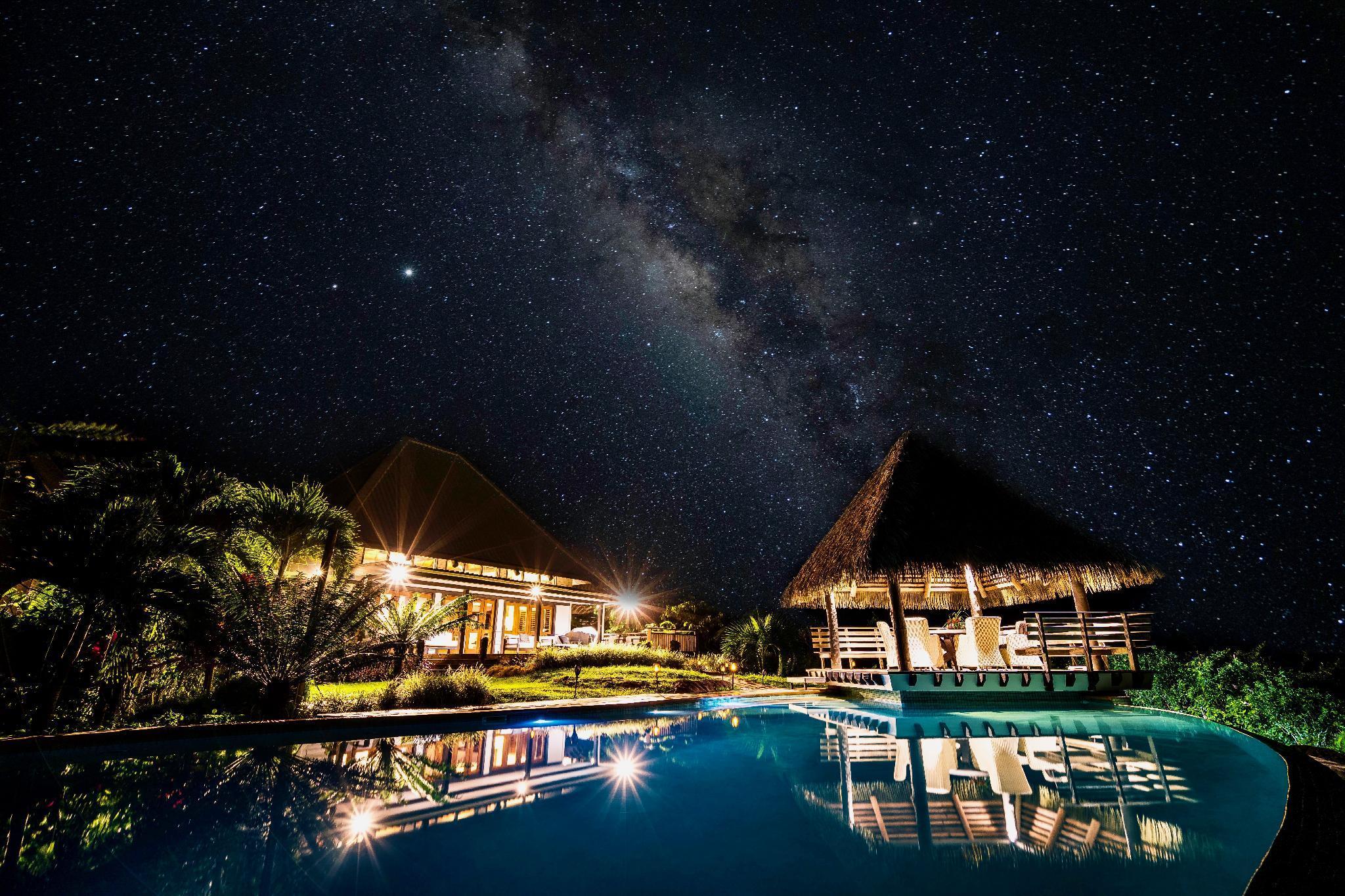 Maravu Paradise Villa with Grand Infinity Pool