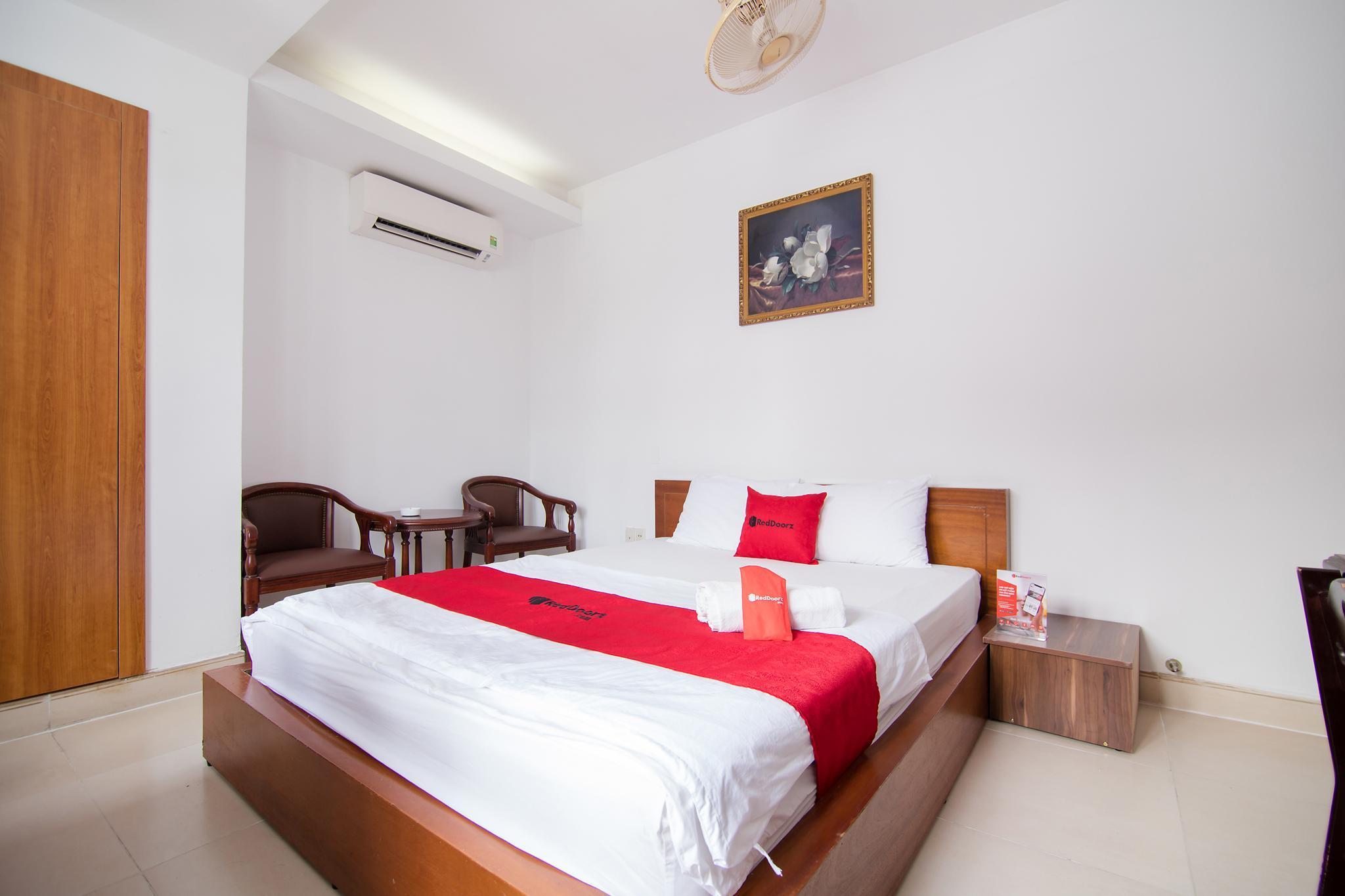 RedDoorz Plus Near Thao Dien