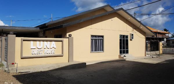 Luna Guesthouse Semporna