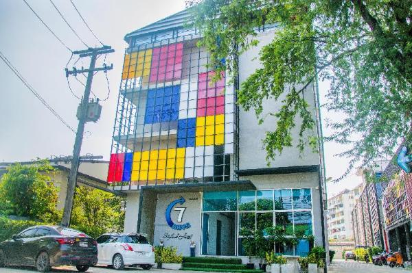 7Days Hotel Patan Chiang Mai