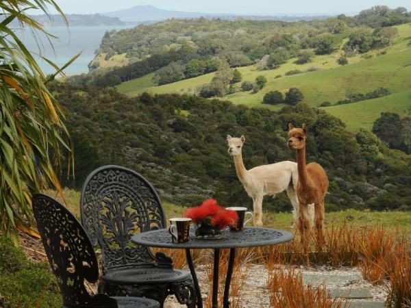 Mahurangi West Wing - Luxury Bed & Breakfast Auckland
