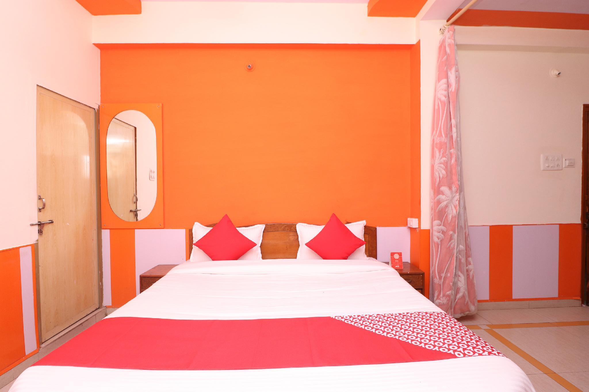 OYO 30250 Hotel Palash