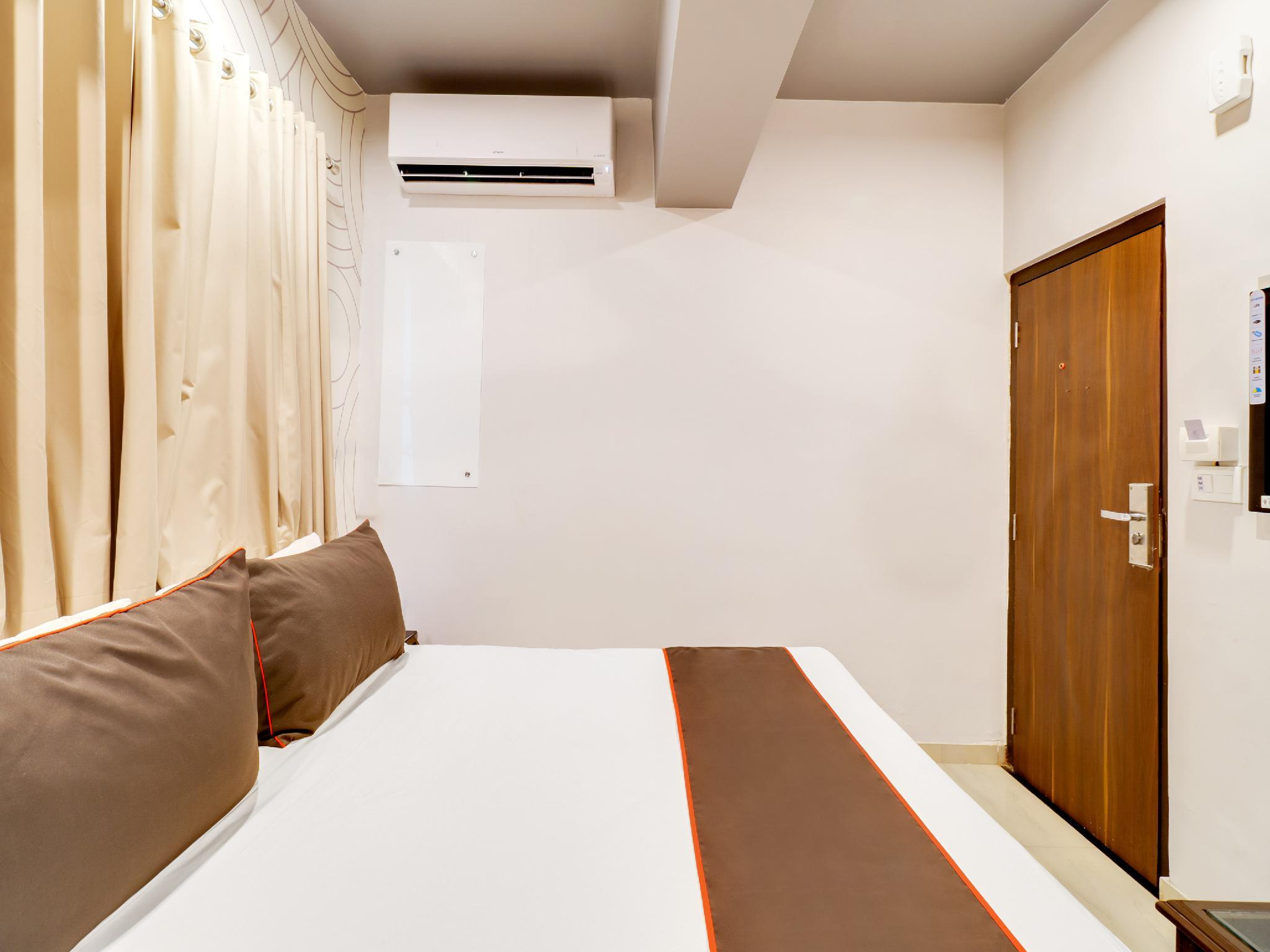 Collection O 30092 Maan Residency Vastrapur