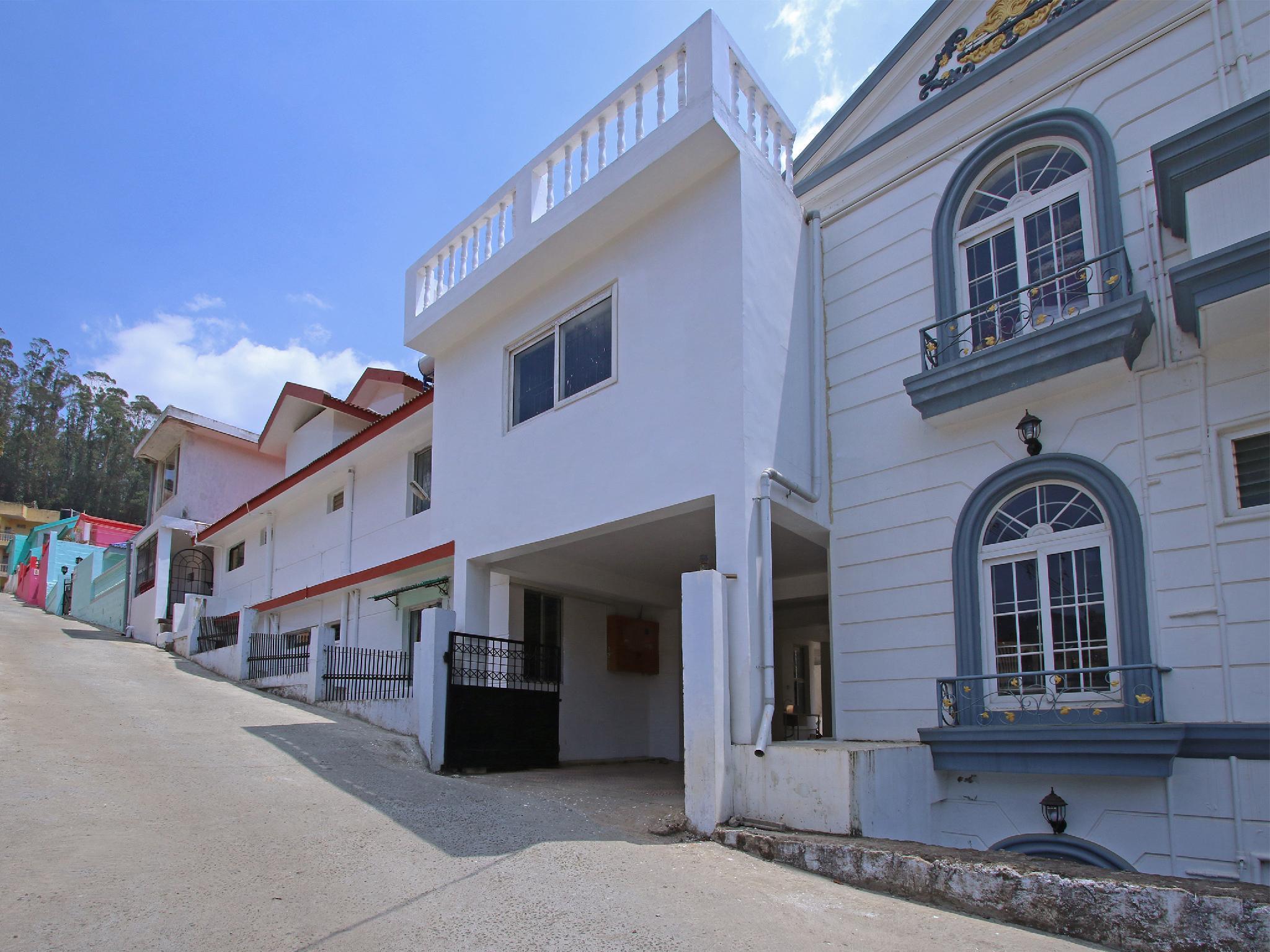 OYO 30303 Elegant Vasantham Cottage