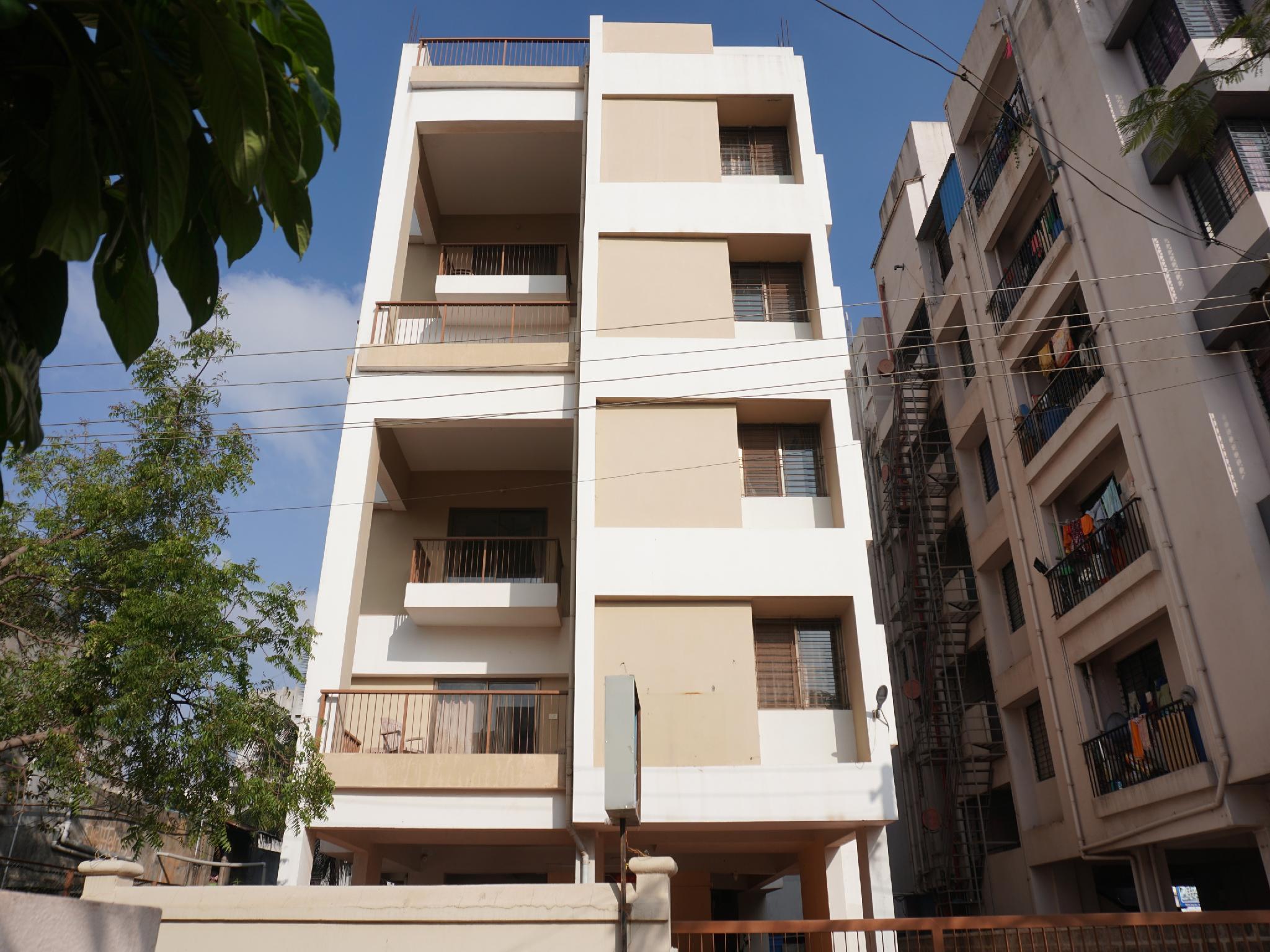 OYO 26151 House Khas Pranaam Apartment