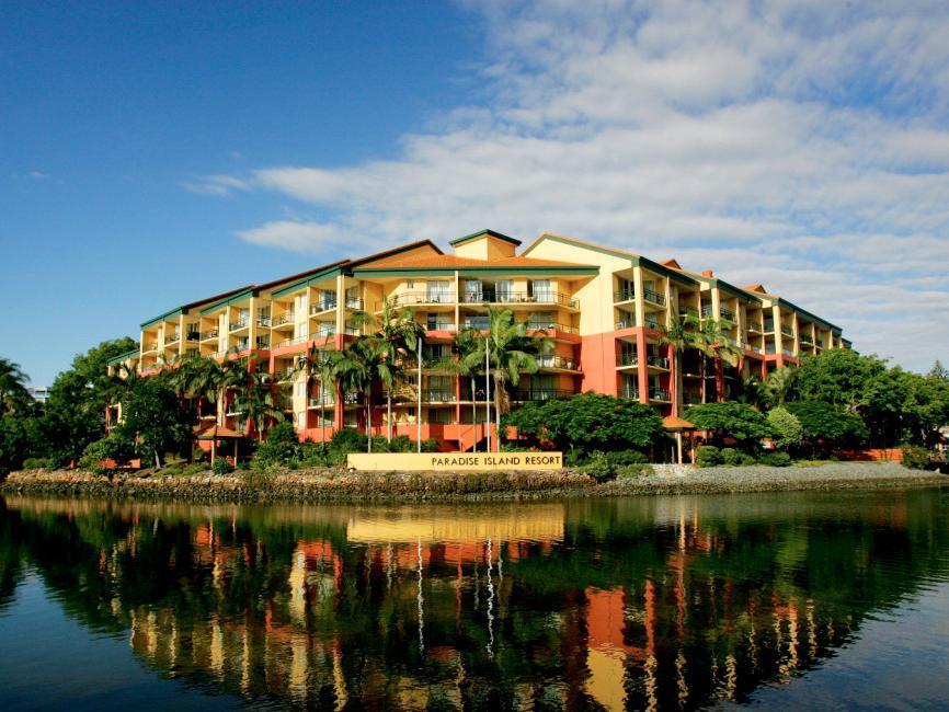 Paradise Island Resort Reviews