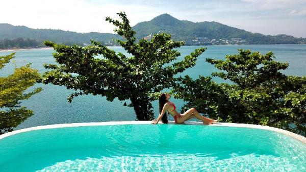 Oceanfront luxury Villa Nevaeh, beside CafeDelMar  Phuket