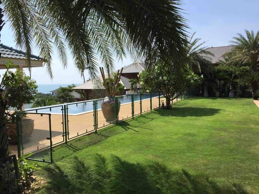2 Bedroom 'Child Safe' Colonial Sea View Villa