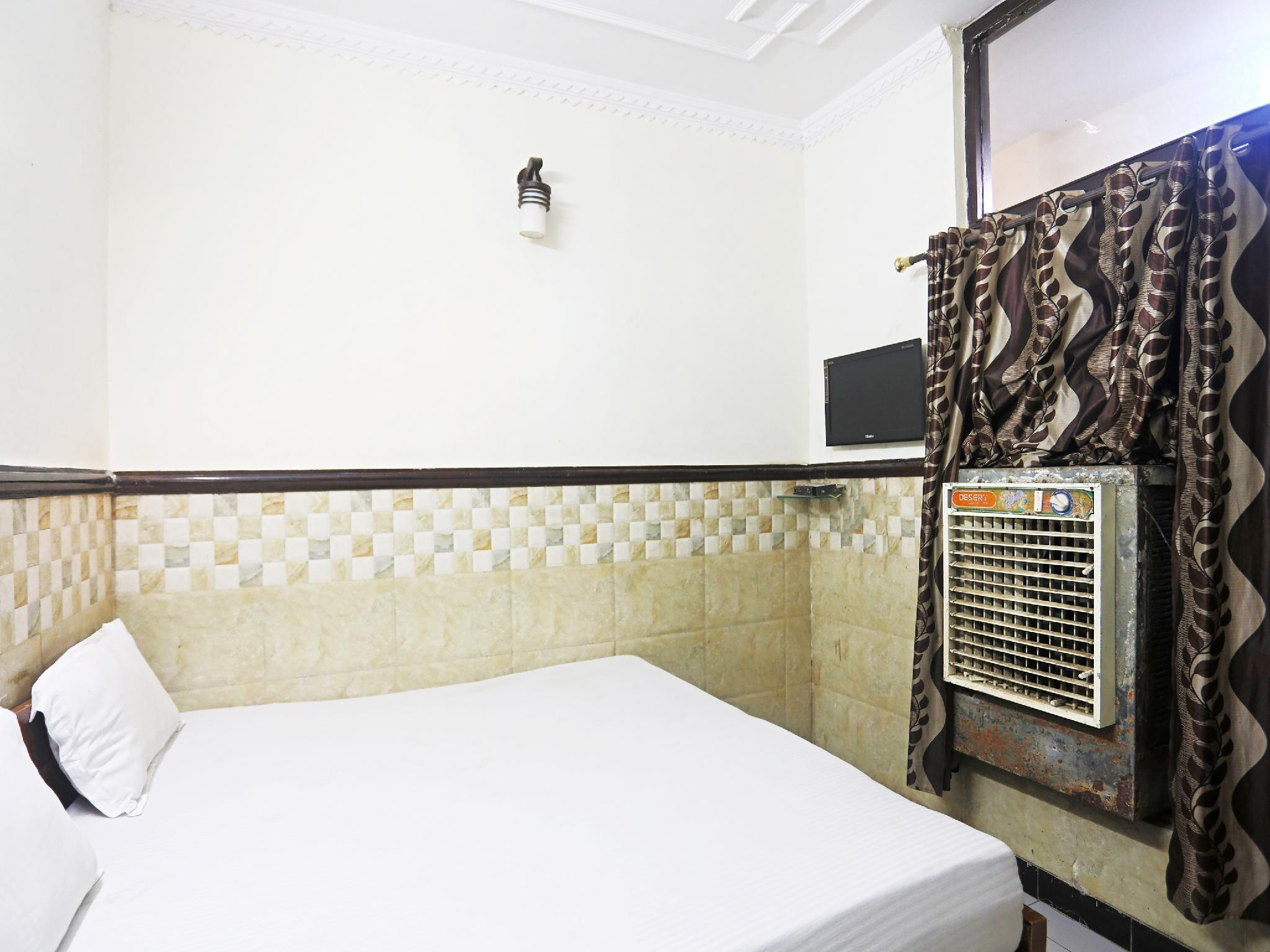 SPOT ON 37452 Kataria Guest House