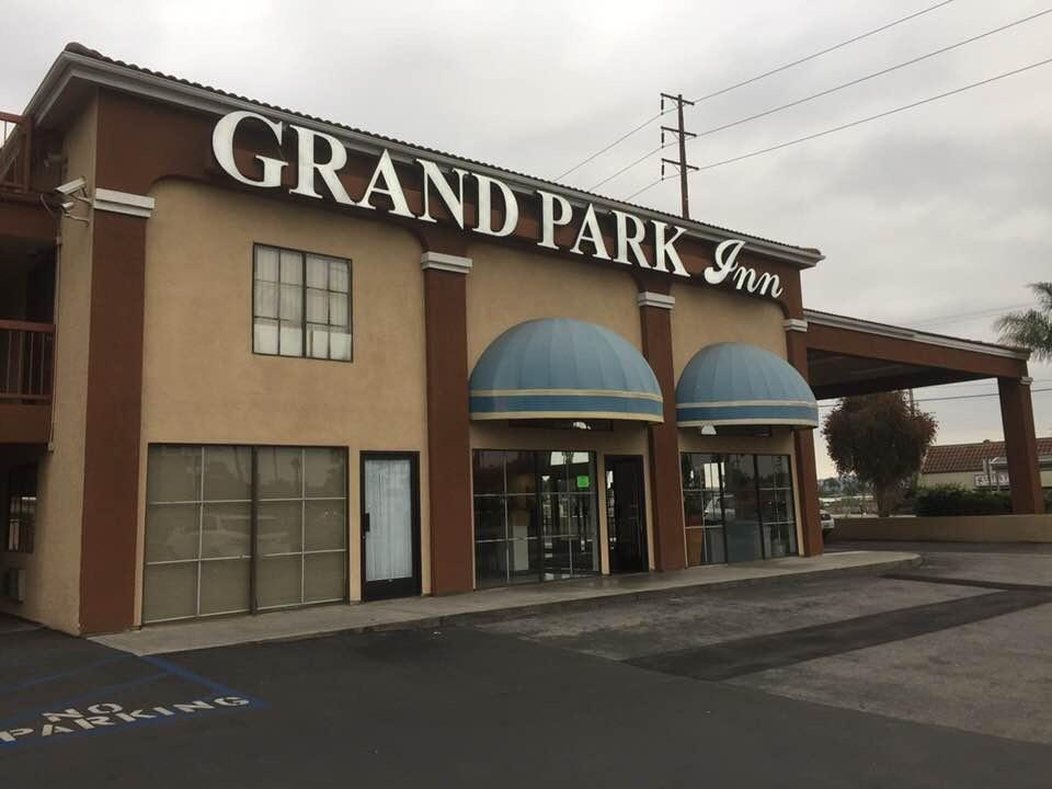 Grand Park Inn