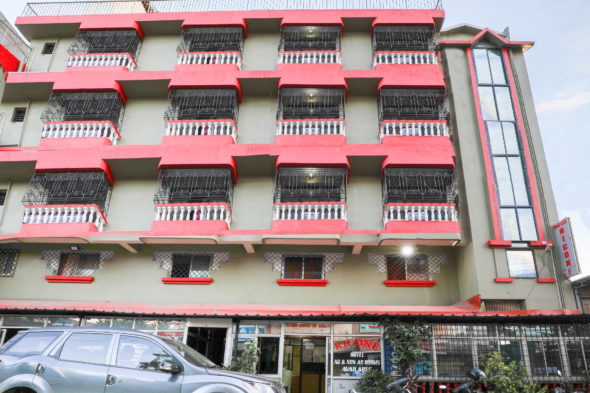 OYO 22860 Hotel Ricone