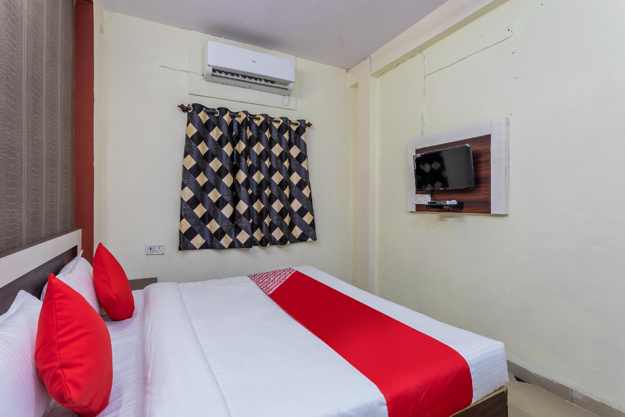 OYO 29919 Hotel Darshan Shree
