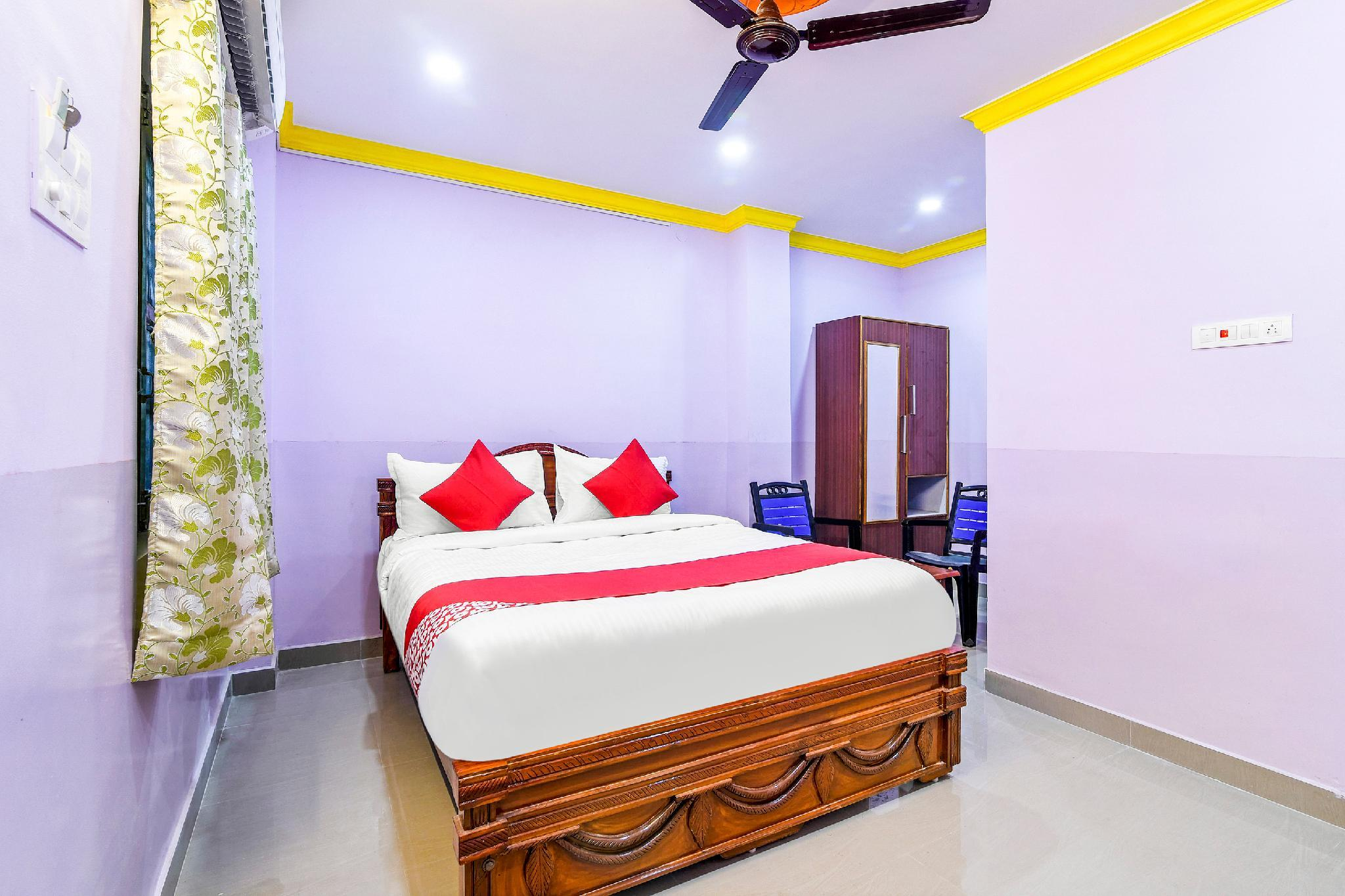OYO 36645 Chandra Residency