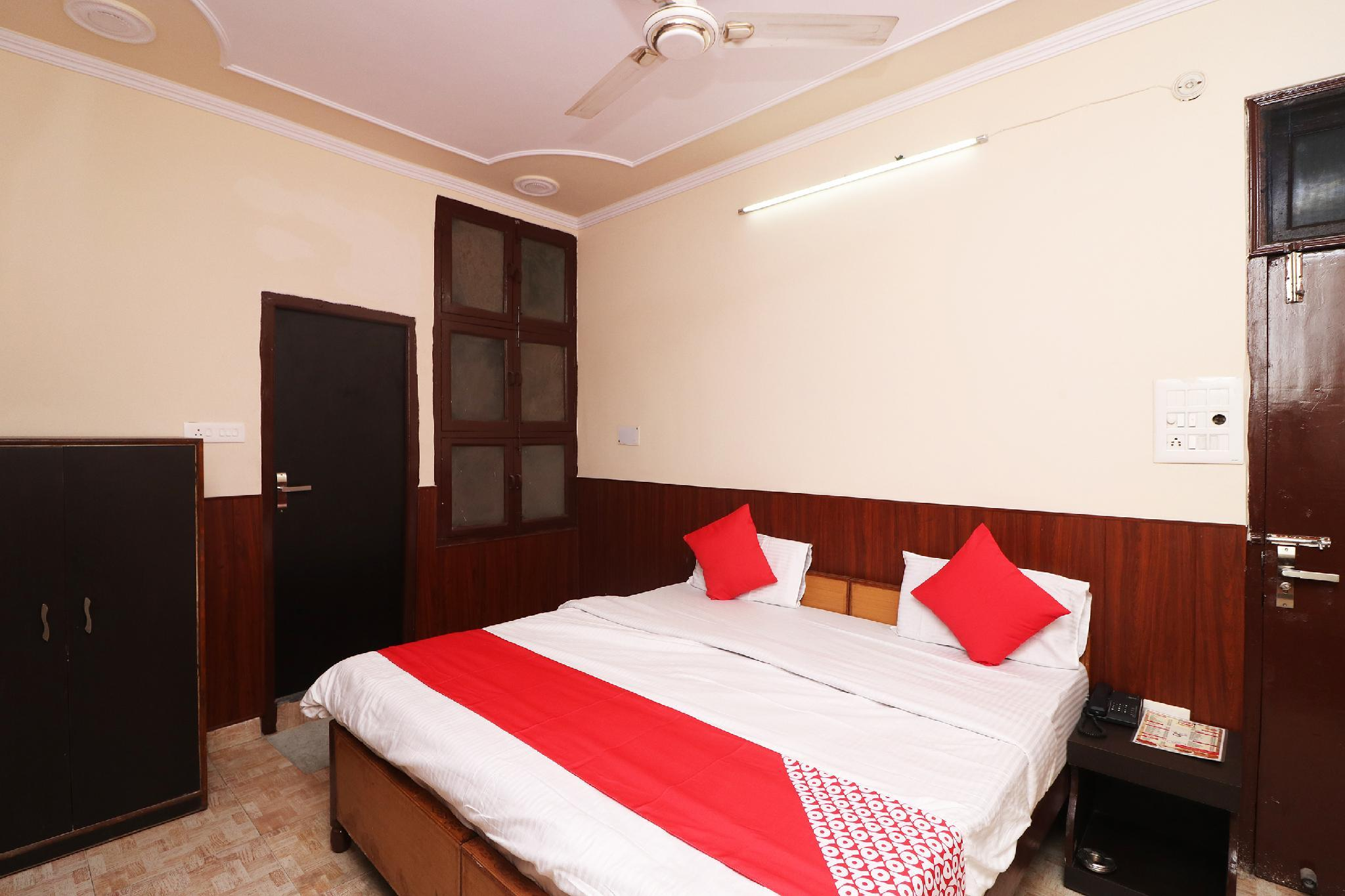OYO 36904 Bright Guest House