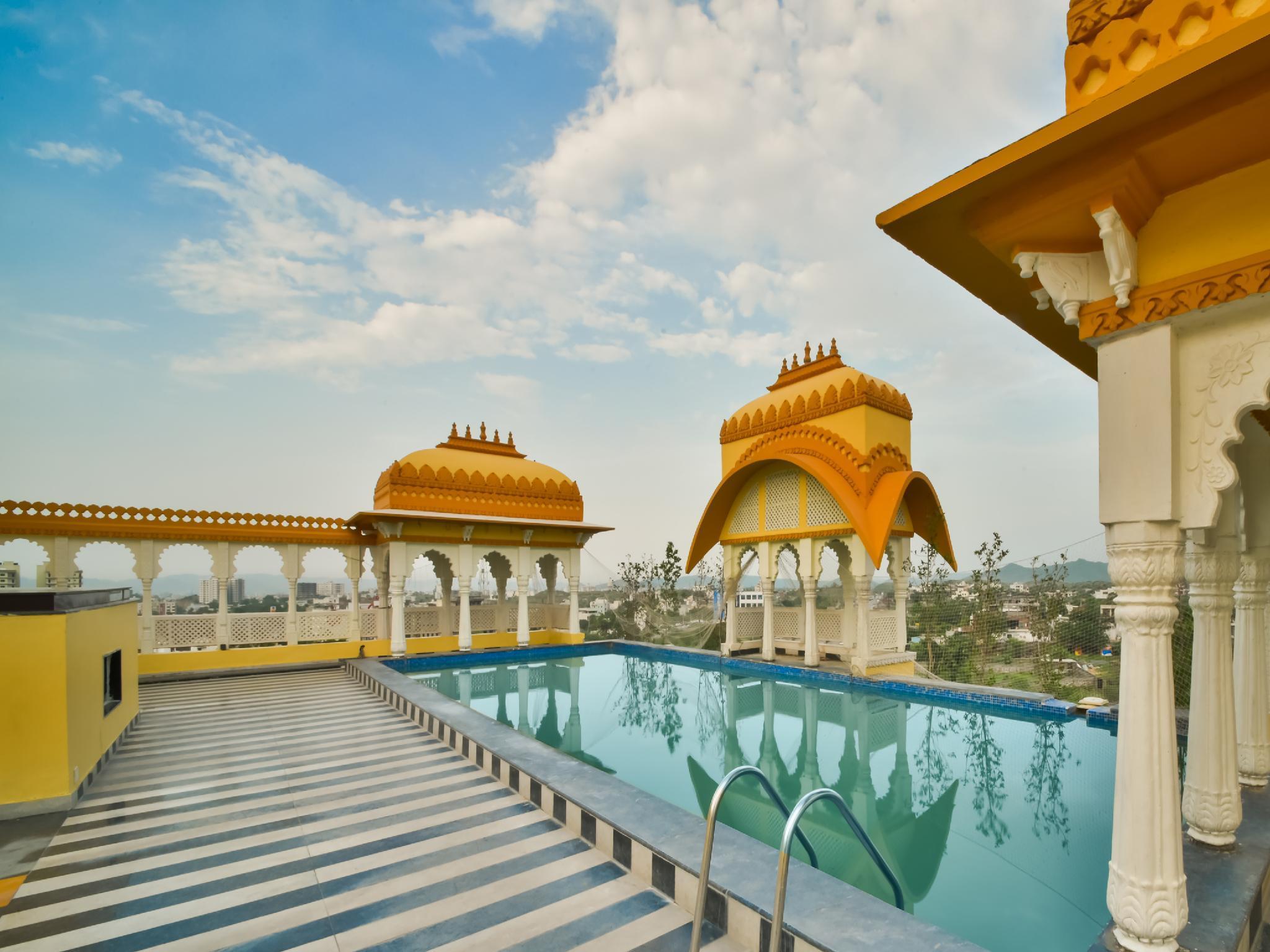 Capital O 38052 Hotel Bhopal Palace