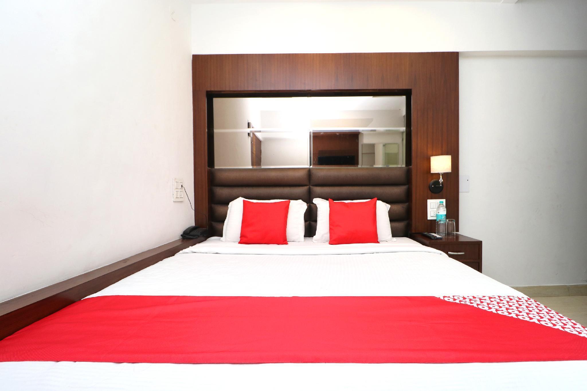 OYO 29950 Hotel Ml Pride